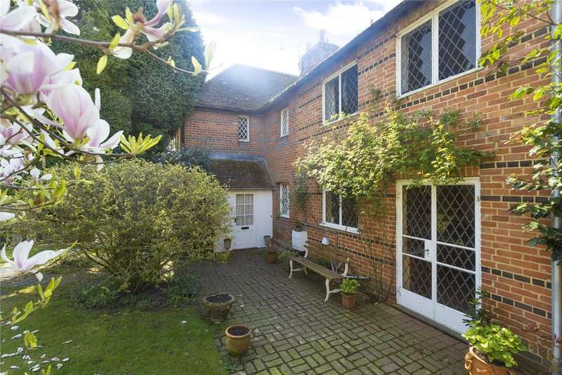 3 Bedrooms Semi Detached House for sale in School Lane, Ickham, Canterbury, Kent
