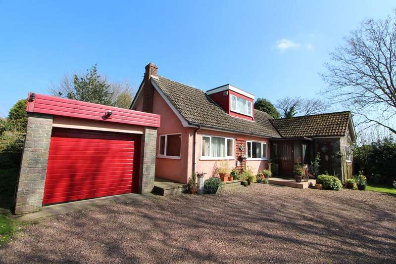 4 Bedrooms Detached House for sale in Lovely home with large garden in rural Redhill