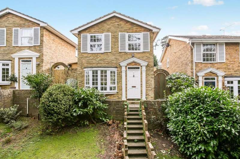 3 Bedrooms Detached House for sale in Mendip Walk, Tunbridge Wells
