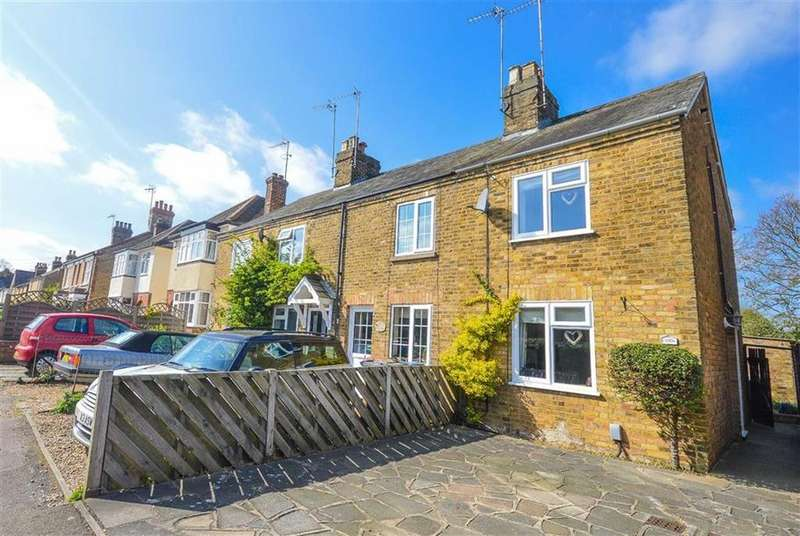 2 Bedrooms Cottage House for sale in Duncombe Road, Hertford, SG14
