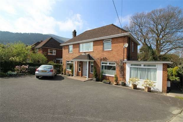 3 Bedrooms Detached House for sale in Gypsy Lane, Llanfoist, ABERGAVENNY, Monmouthshire
