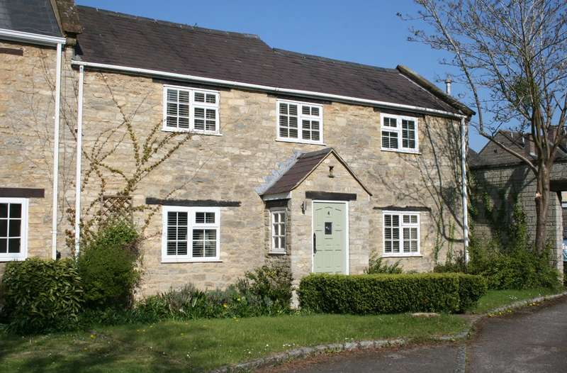 3 Bedrooms Semi Detached House for sale in Dashwood Mews, Kirtlington