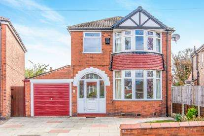3 Bedrooms Detached House for sale in Chestnut Drive, Sale, Trafford, Greater Manchester