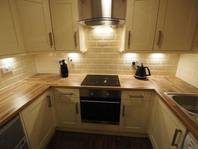 3 Bedrooms Apartment Flat for sale in Lock Keepers Court, Victoria Dock, Hull, East Riding of Yorkshire, HU9 1QH