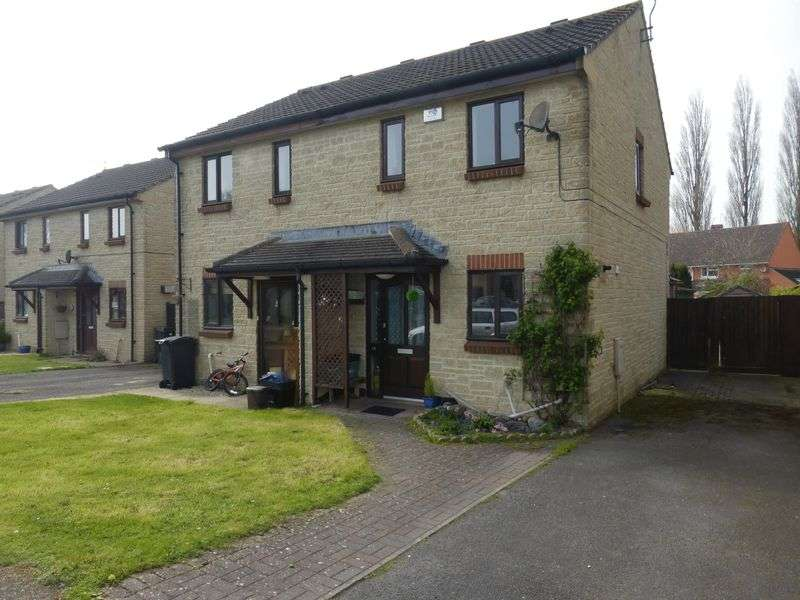 2 Bedrooms Semi Detached House for sale in Ritchie Road, Yeovil