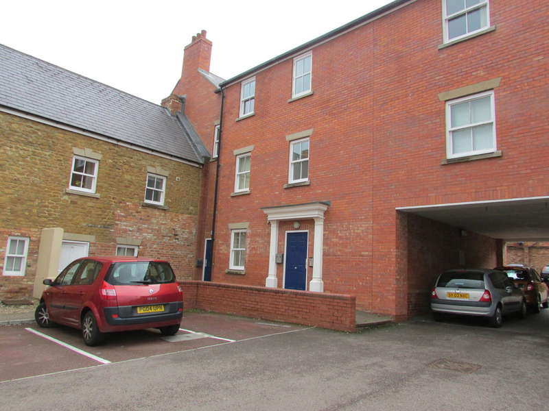 2 Bedrooms Apartment Flat for sale in Peoples Place, Warwick Road