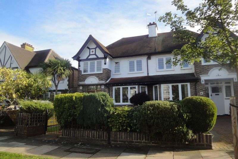 3 Bedrooms Semi Detached House for sale in Orford Gardens, Twickenham, TW1
