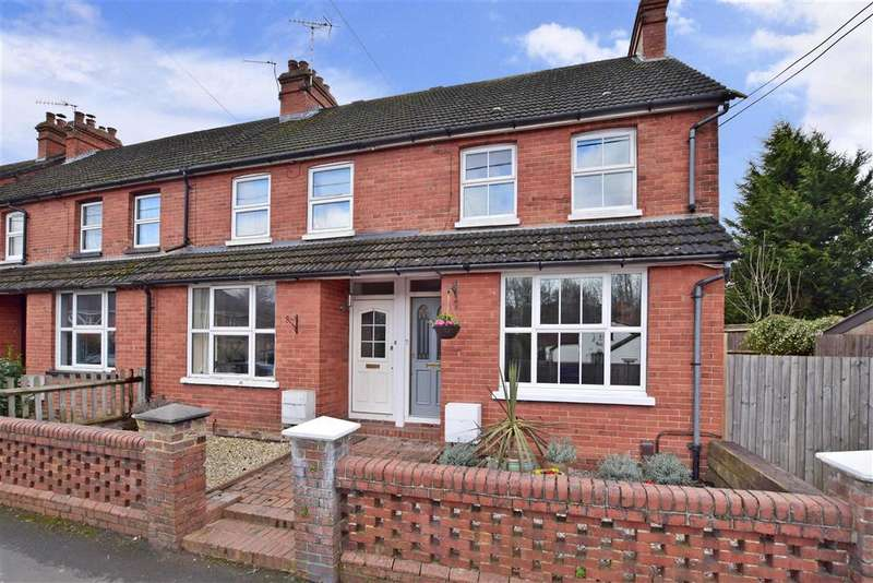 2 Bedrooms Terraced House for sale in Holmesdale Road, North Holmwood, Dorking, Surrey
