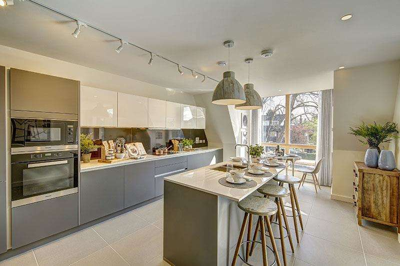 4 Bedrooms Flat for sale in Finchley Road, Golders Green