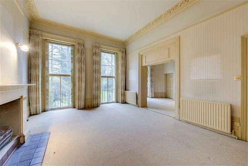 3 Bedrooms Flat for sale in Hamilton Terrace, St John's Wood, London, NW8
