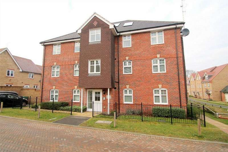 2 Bedrooms Flat for sale in Bagshot, Surrey