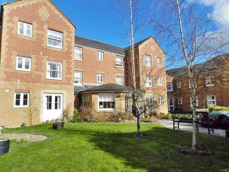 1 Bedroom Retirement Property for sale in Brampton Court, Chichester, PO19 8PD