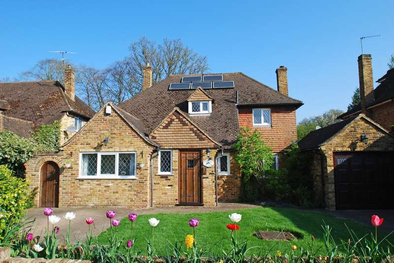 4 Bedrooms Detached House for sale in Rosewood Way, Farnham Common, SL2
