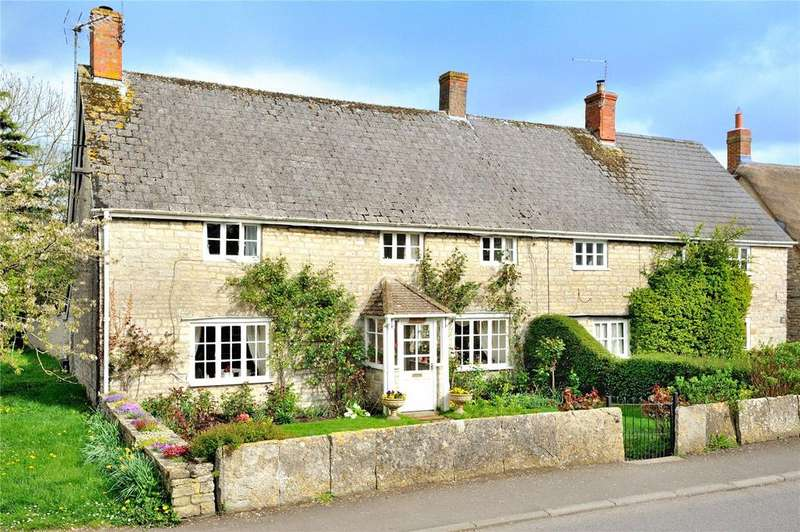 3 Bedrooms Semi Detached House for sale in High Street, Queen Camel, Yeovil, Somerset
