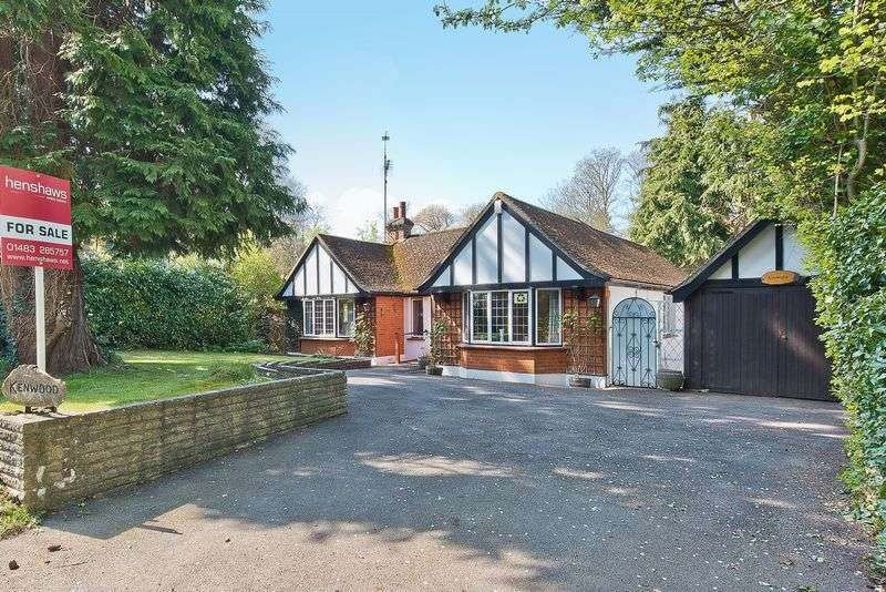 2 Bedrooms Detached Bungalow for sale in East Horsley.
