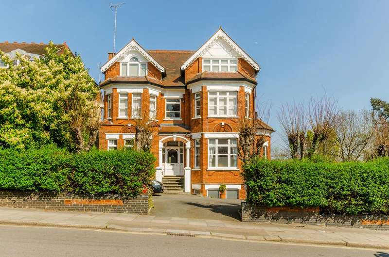 3 Bedrooms Flat for sale in Stanhope Road, Highgate, N6