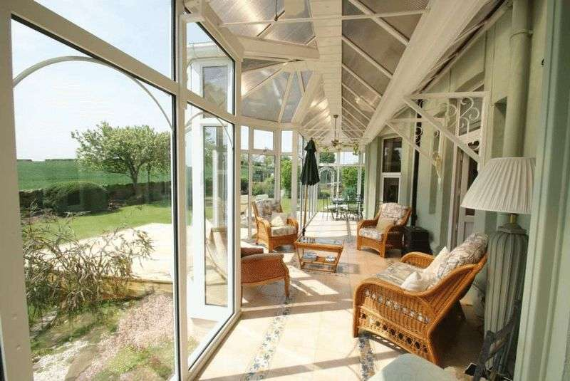 5 Bedrooms Detached House for sale in Ardmore Skelton-in-Cleveland TS12 2DQ