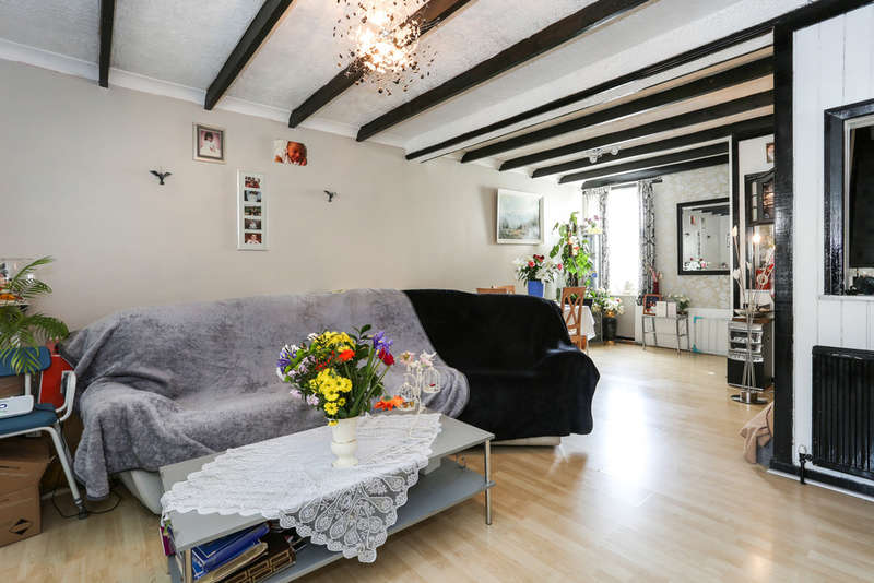 3 Bedrooms End Of Terrace House for sale in Selhurst New Road, South Norwood