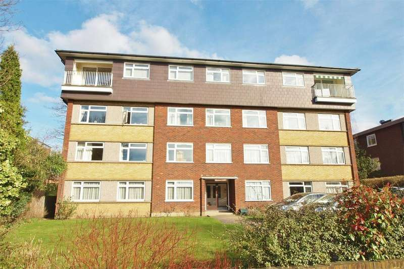 3 Bedrooms Flat for sale in Markham Court, 39 Wickham Road, Beckenham, Kent