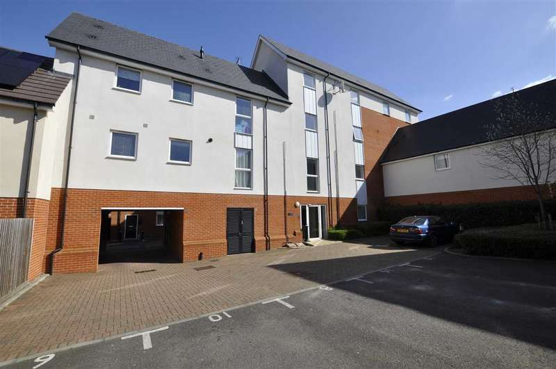 2 Bedrooms Apartment Flat for sale in Pearl Square, Great Baddow