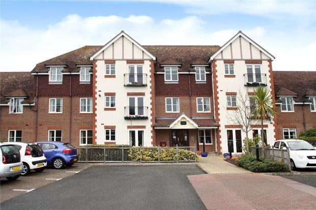2 Bedrooms Retirement Property for sale in Pegasus Court, The Street, Rustington, West Sussex, BN16
