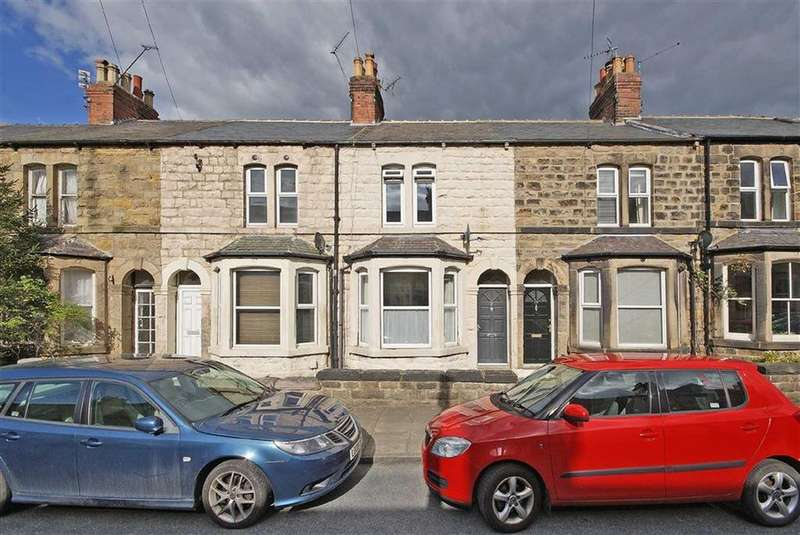 3 Bedrooms Terraced House for sale in Grove Park Walk, Harrogate, North Yorkshire