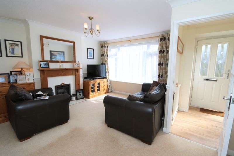 3 Bedrooms Terraced House for sale in Meadow Walk, Tylers Green