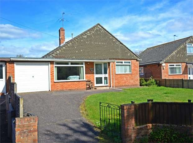 2 Bedrooms Detached Bungalow for sale in Chapel Road, Alphington, EXETER, Devon
