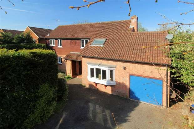 3 Bedrooms Detached House for sale in Goldsworth Park, Woking, Surrey