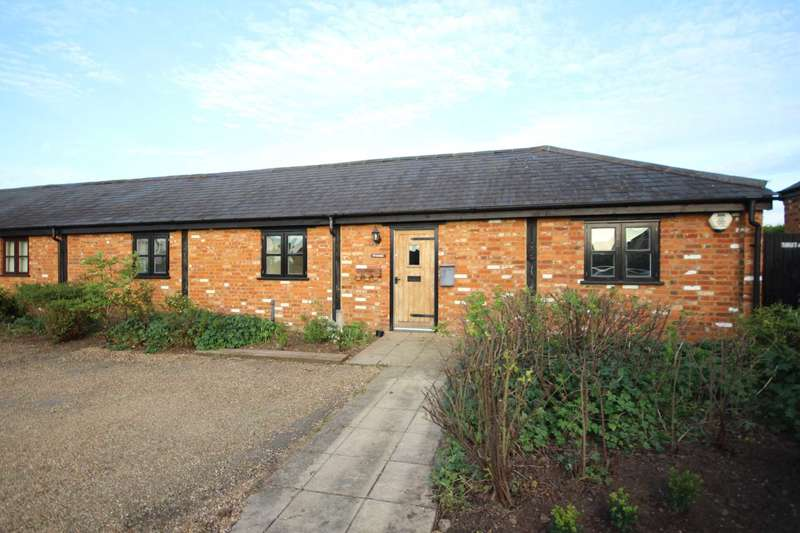 4 Bedrooms Barn Conversion Character Property for sale in Claydon Hill Farm Barns, Steeple Claydon