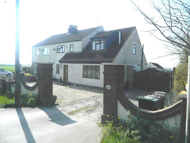 4 Bedrooms Semi Detached House for sale in Brant Road, Lincoln, LN5 9AN - `Extensive Views` & 36 foot Kitchen / Diner