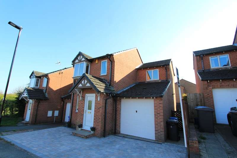 3 Bedrooms Detached House for sale in Jordanthorpe Green, Jordanthorpe