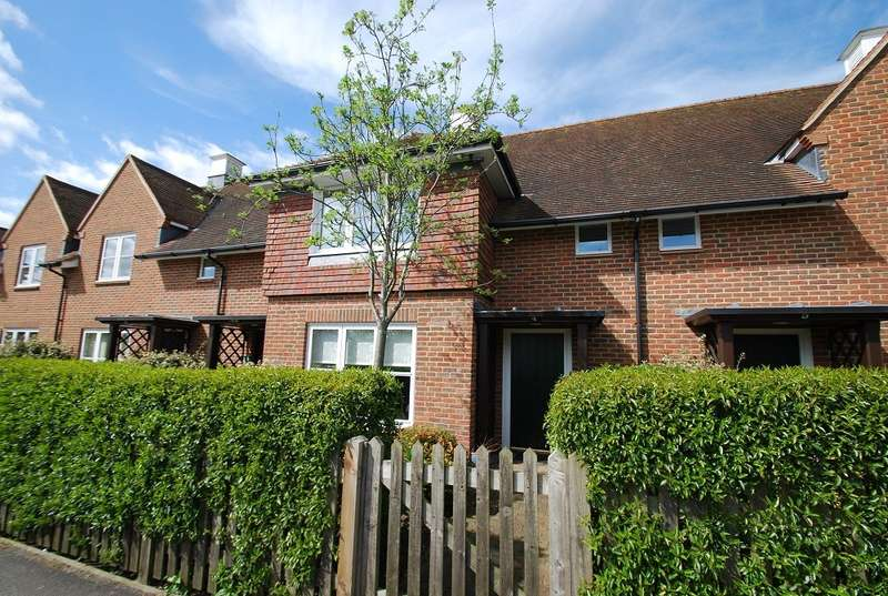 2 Bedrooms Terraced House for sale in St Mary's Court, Beaconsfield, HP9