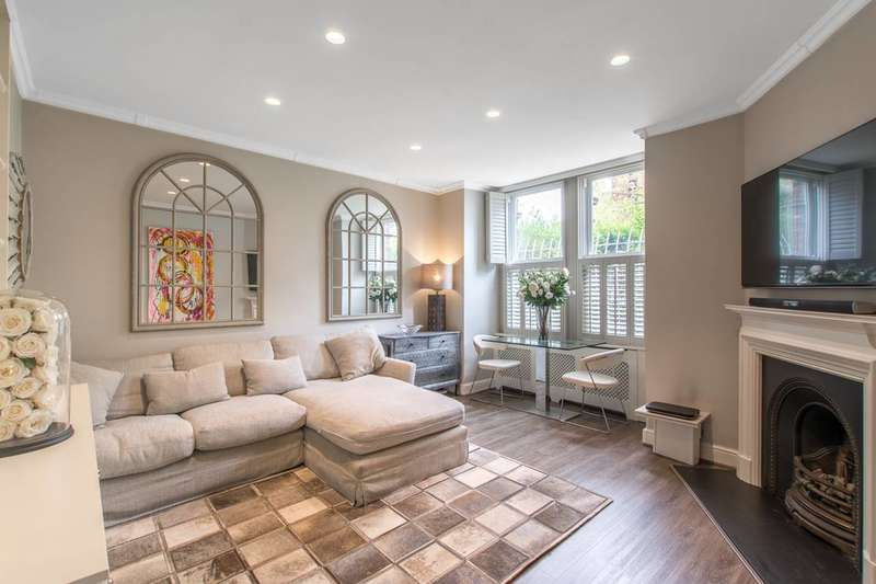 1 Bedroom Flat for sale in Cremorne Road, Chelsea, SW10