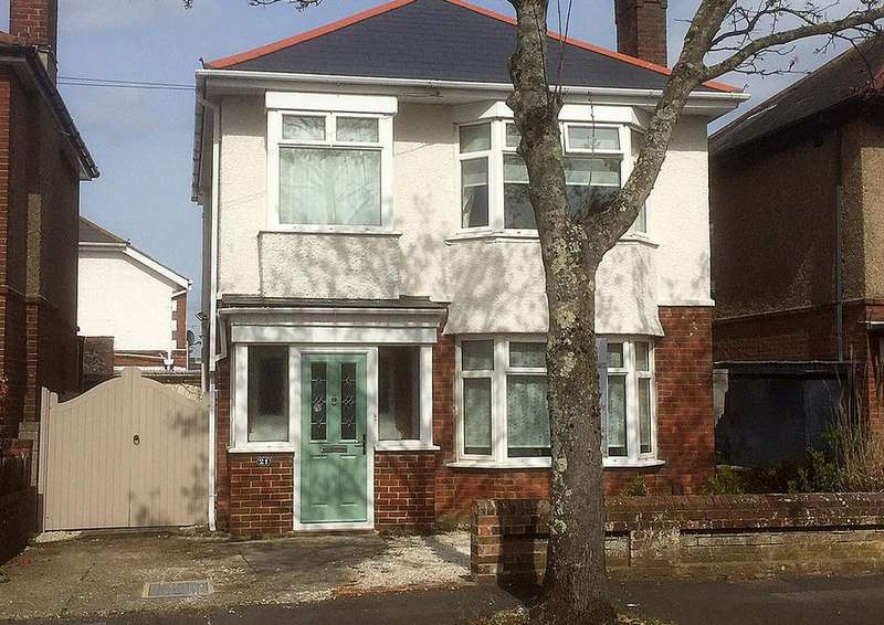 3 Bedrooms Detached House for sale in Ashton Road, Moordown, BOURNEMOUTH, BH9