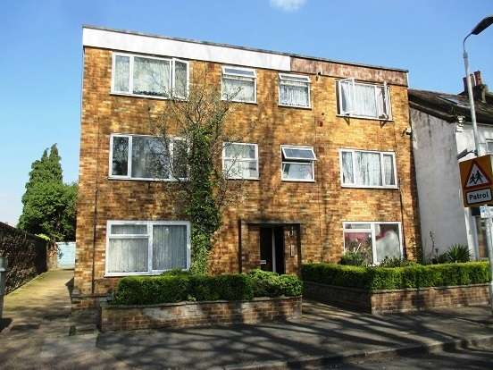 1 Bedroom Flat for sale in Southern Road, Plaistow
