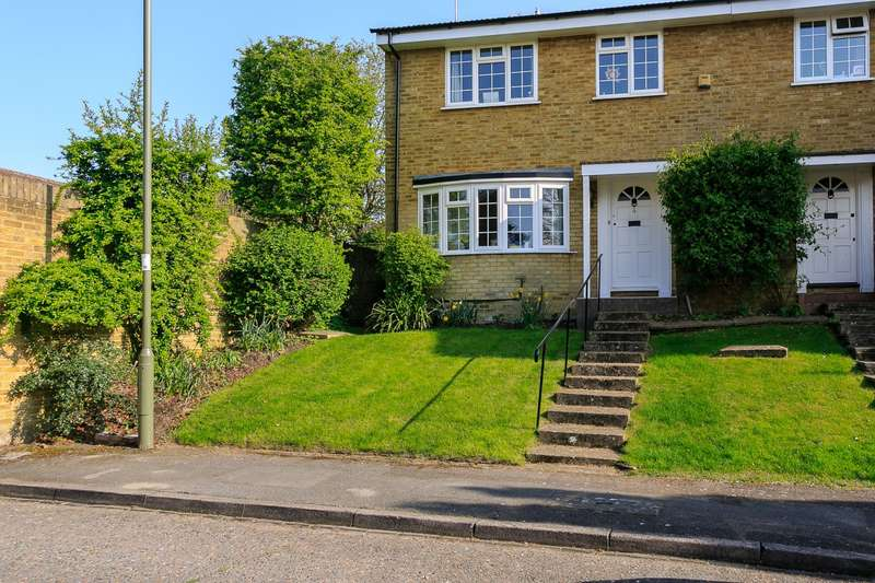 4 Bedrooms End Of Terrace House for sale in Weybridge