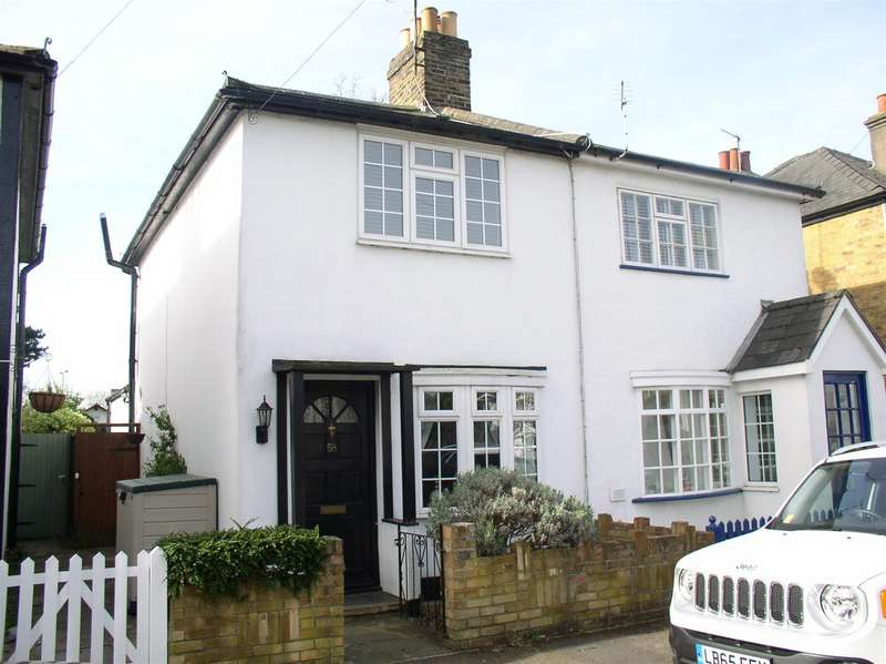 2 Bedrooms Property for sale in Thistlecroft Road, Hersham, Walton-On-Thames
