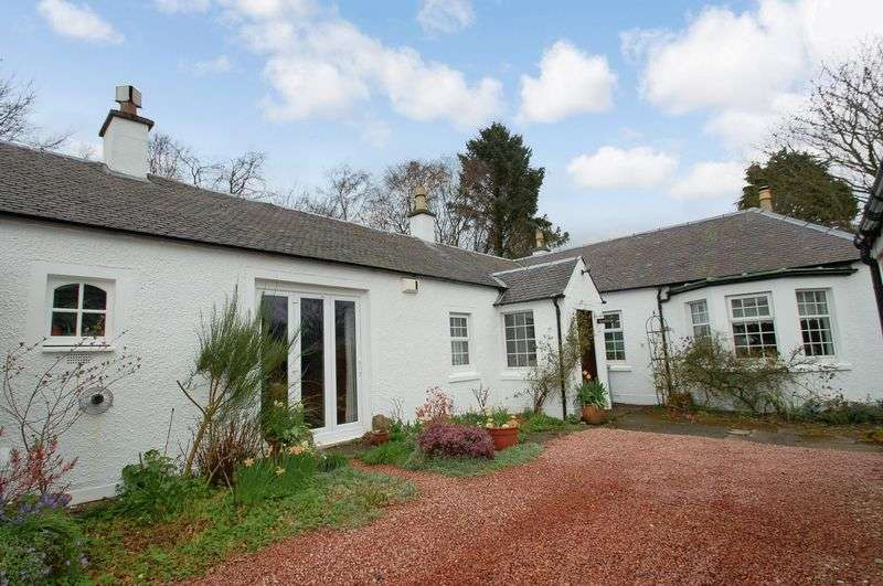 4 Bedrooms Cottage House for sale in Heathfield Drive, Blackwood