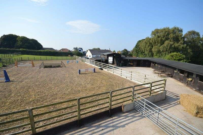 3 Bedrooms Detached House for sale in Mill Lane, Greasby