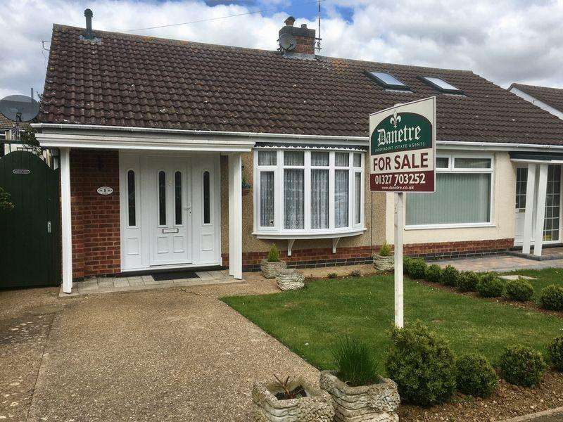 2 Bedrooms Semi Detached Bungalow for sale in DAVENTRY