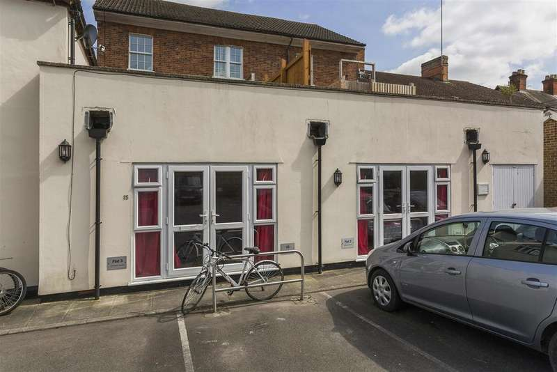 1 Bedroom Flat for sale in Phoenix Square, Pewsey