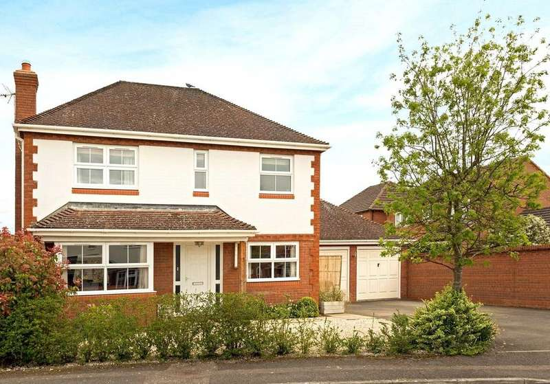 4 Bedrooms Detached House for sale in Passey Crescent, Benson, Wallingford, Oxfordshire, OX10