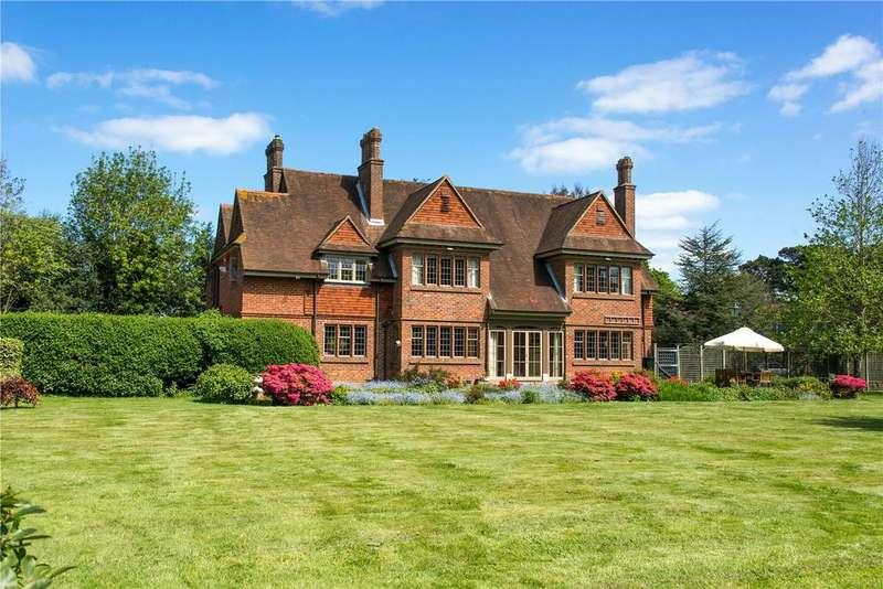5 Bedrooms Detached House for sale in Lower Pennington Lane, Pennington, Lymington, Hampshire, SO41