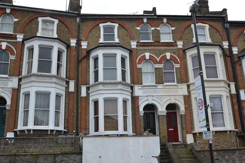 2 Bedrooms Flat for sale in Brecknock Road, Tufnell Park, London, N19