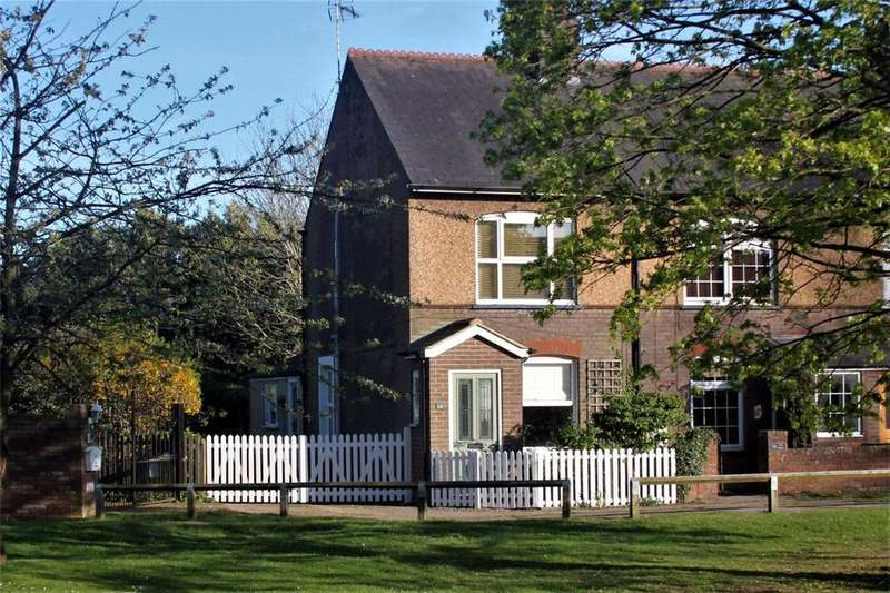 3 Bedrooms End Of Terrace House for sale in The Green, Caddington, Luton, Bedfordshire
