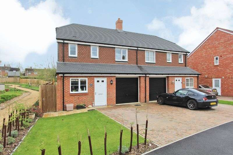 3 Bedrooms Semi Detached House for sale in North Baddesley