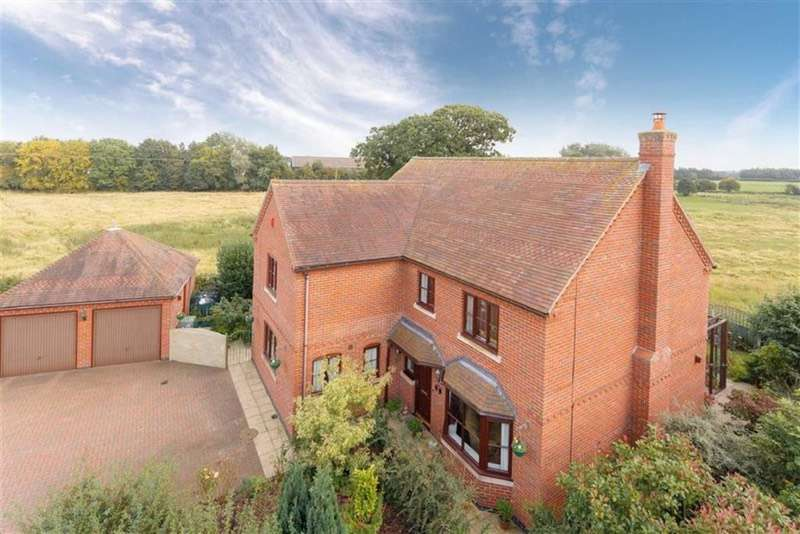 5 Bedrooms Detached House for sale in CROSEMERE COURT, COCKSHUTT, Shropshire, SY12
