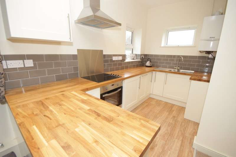 2 Bedrooms Bungalow for sale in Ravenscliffe Road, Kidsgrove, Staffordshire, ST7