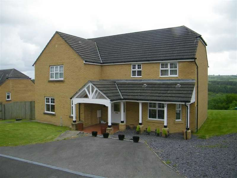 4 Bedrooms Property for sale in Home Farm Way, Penllergaer